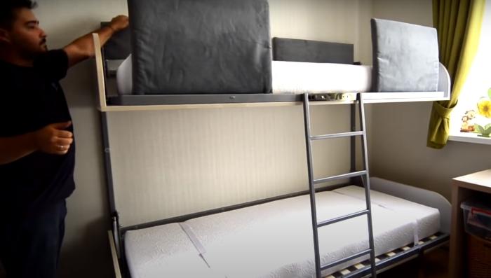 Удобная трансформирующаяся кровать. /Фото: youtube.com/watch?v=LROpYJn5kAs