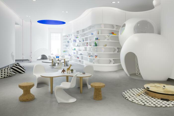 Каждый элемент интерьера подчеркивает футуристический дизайн. /Фото: image.architonic.com