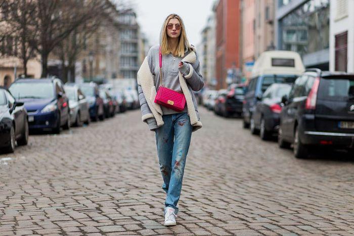 Сумочка  Chanel достойно дополнит любой наряд и сделает его стильным. /Фото: img.p-advice.com