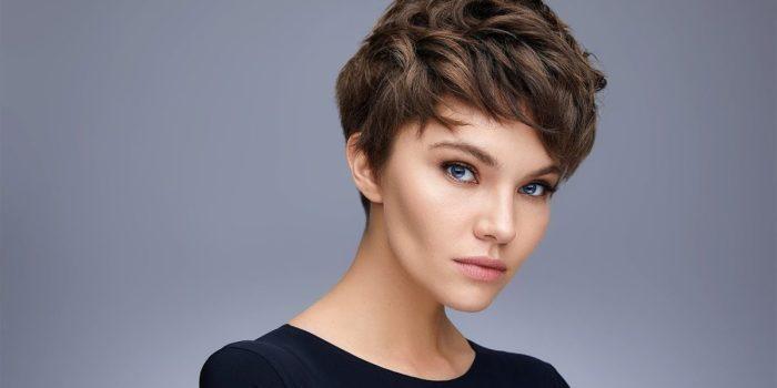 Короткая стрижка — это отличный вариант для обладательниц тонких и ослабленных волос. /Фото: modnapricha.info