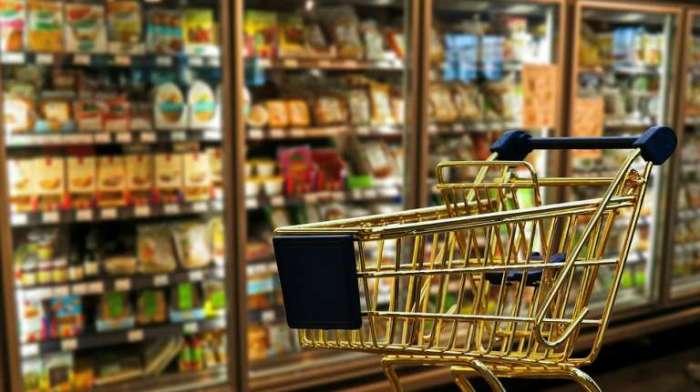 В магазине всегда лучше выбирать тележку поменьше. /Фото: topspb.tv