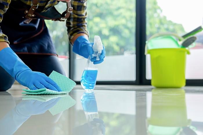 Пользоваться влажными салфетками нужно с умом. /Фото: img3.stockfresh.com