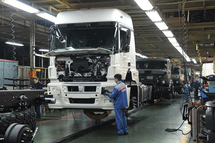 Это интересно – увидеть своими глазами сборку грузовика. /Фото: tatianatur.ru