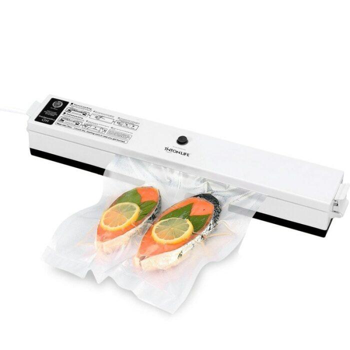 Вакуумный упаковщик – полезный в хозяйстве прибор. /Фото: ae01.alicdn.com