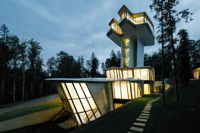 Резиденция Capital Hill сочетает комфорт лакшери-класса с тишиной и спокойствием природы / Фото: static.dezeen.com