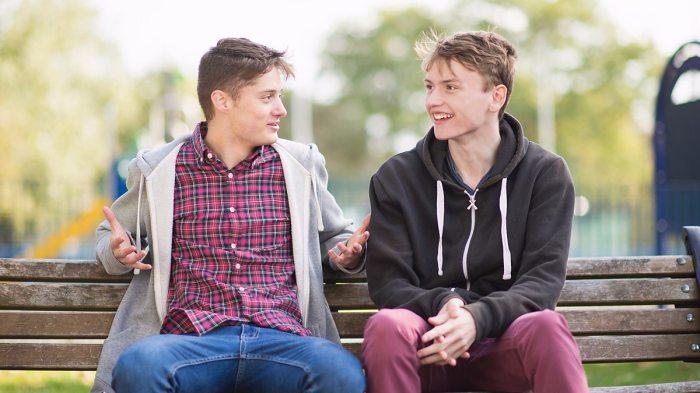 Открытость располагает к себе и позволяет оказывать влияние на мысли и действия собеседника. /Фото: ichef.bbci.co.uk