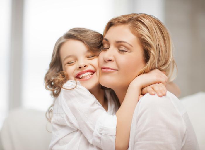 Проводя время с детьми, нужно отвлечься от технологических разработок. /Фото: v.img.com.ua
