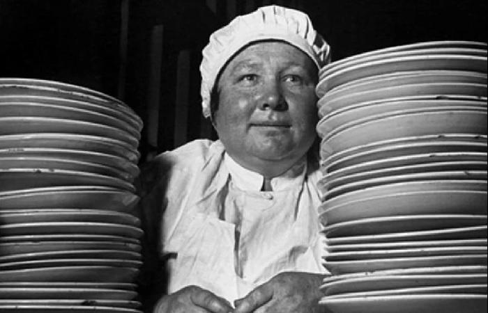 Несмотря на все свои изъяны, советский общепит заложил кулинарную культуру, дожившую до наших дней. /Фото: avatars.mds.yandex.net