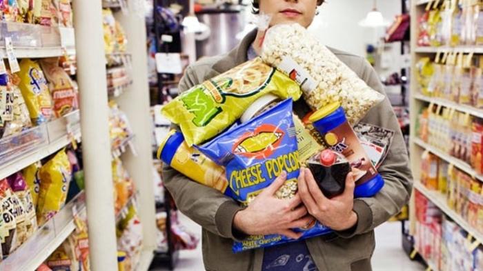 Голод – плохой помощник при совершении покупок. /Фото: lifegate.com
