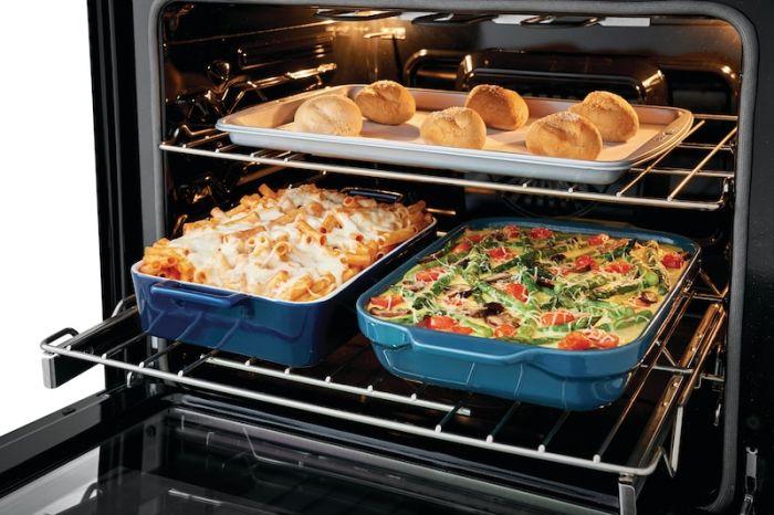 Без духовки современная кулинария многое бы потеряла. /Фото: na.electroluxmedia.com