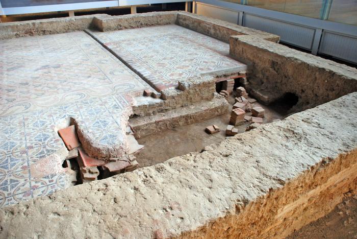 Центральное отопление под полом на римской вилле. /Фото: pechdoc.ru