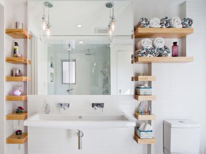 Порядок в ванной комнате — спокойствие в душе. /Фото: decodocs.com