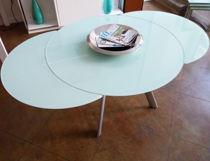 Функциональная мебель может быть одновременно и красивой. /Фото: expandfurniture.com