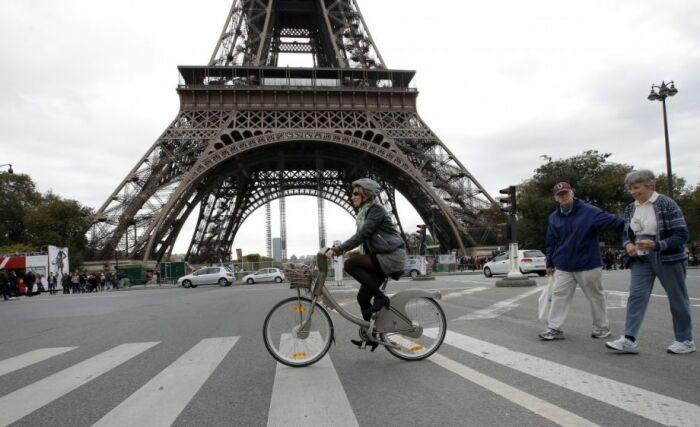 Власти Парижа хотят «разгрузить» город от автомобилей. /Фото: nextcity.org
