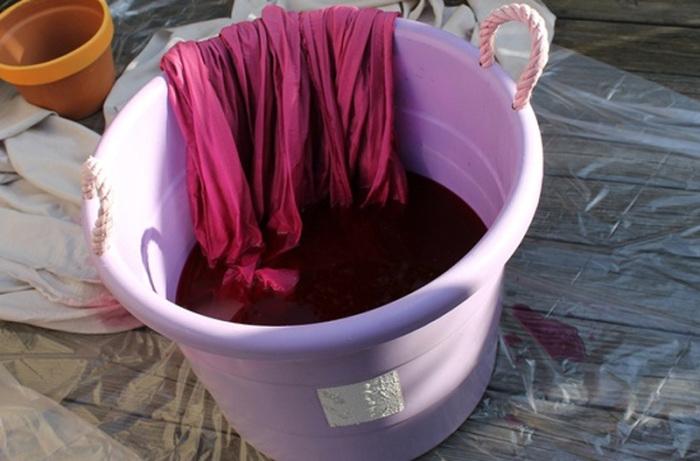 Оказывается, ткань можно окрасить с помощью вина: оттенки будут изумительными. /Фото: cdn-5b184c43f911c819648b3c71.closte.com