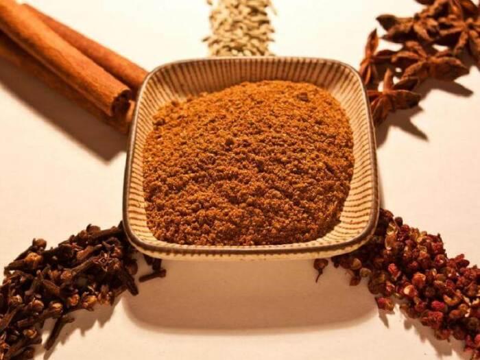 Смешиваем пять специй для создания особенного блюда. /Фото: 1.bp.blogspot.com