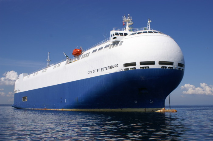 City of St. Petersburg доставляет 2000 машин за один рейс. /Фото: shipspotting.com