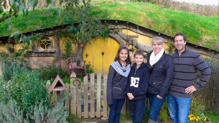 Хоббитон сегодня – любимое место туристов. /Фото: kayak-newzealand.com