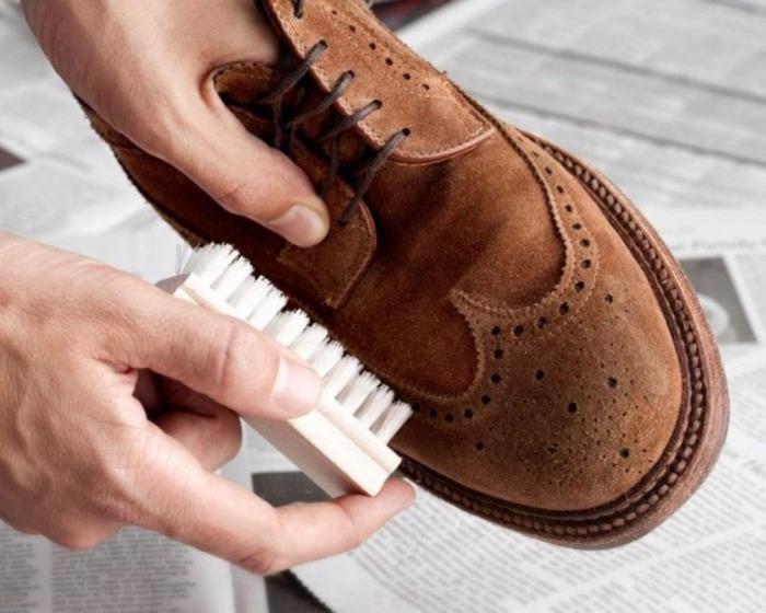 Полезный совет для тех, кто любит замшевую обувь. /Фото: priborka.life
