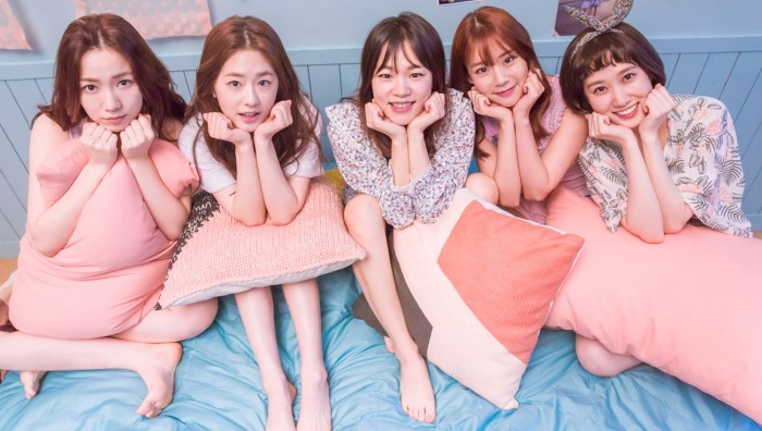 Корейские девушки на год старше, чем мы приняли считать. | Фото: i2.wp.com.