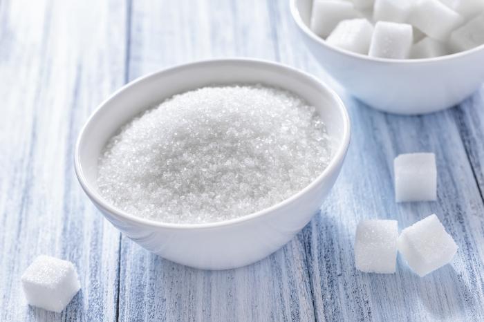 Сахар быстро и качественно справляется со въевшимися загрязнениями. /Фото: pequenogourmet.com.br
