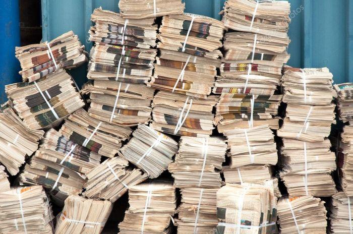 Старые газеты – рассадник пыли. /Фото: static5.depositphotos.com