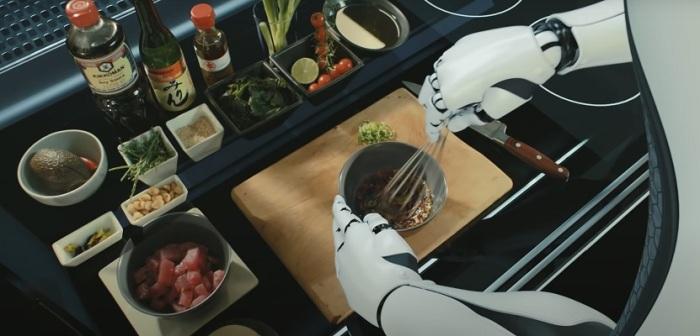 Робот приготовит любое блюдо из записанных в память рецептов. /Фото: moley.com