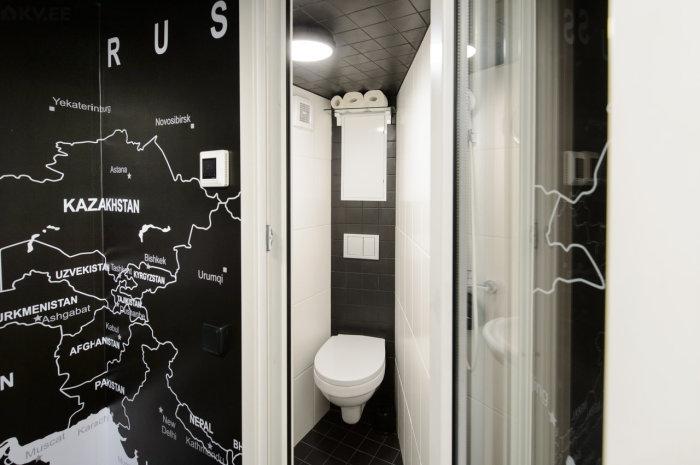 Места мало, но для туалета и не нужно много. /Фото: 100realty.ua