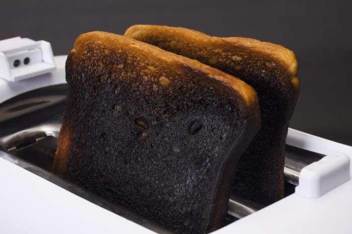 Сгоревший хлеб помогает отбелить зубы. /Фото: i.cbc.ca