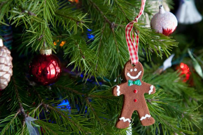 Украшение имбирными пряниками. /Фото: ic.pics.livejournal.com