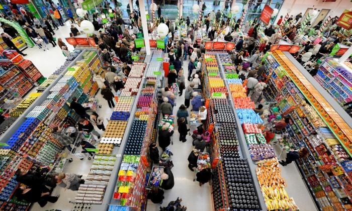 Когда в магазине много народа, делать покупки некомфортно. /Фото: vseinstrumenti.ru