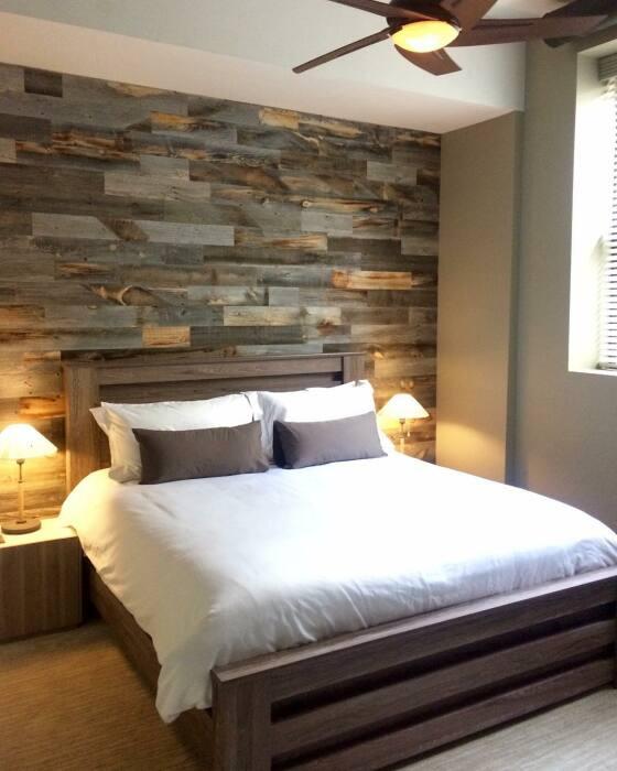 Доски от паллет – прекрасный декор для акцентной стены. /Фото: momtastic.com