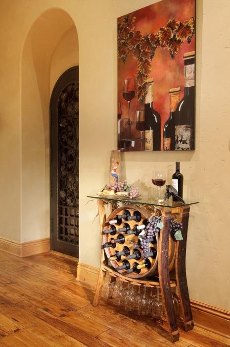 Оригинальный винный шкаф украсит любой интерьер. /Фото: cdn.decoist.com