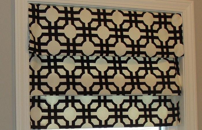 Красивые римские шторы можно сделать своими руками за короткое время.