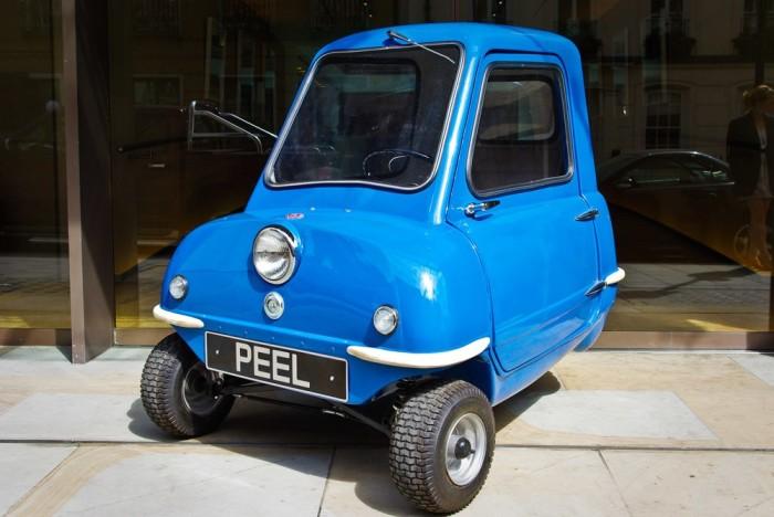 Хотя Peel P50 выглядит как игрушка, он ездит, пусть и со скоростью не выше 61 км/час. /Фото: assets.newatlas.com