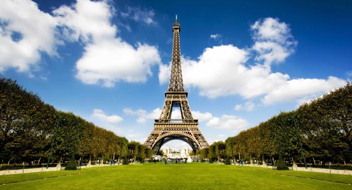 Вдохновляющая и романтичная Эйфелева башня. /Фото: cms.inspirato.com