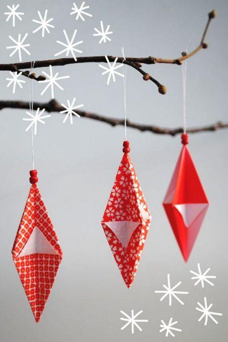 Праздничное оригами — это одновременно украшение и интересный досуг. /Фото: paintonline.info