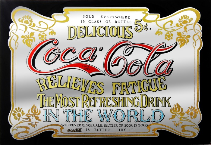 Вывеска Coca-Cola в стиле ретро, напечатанная на легком алюминии в Великобритании. /Фото: lawpracticemanager.co.uk