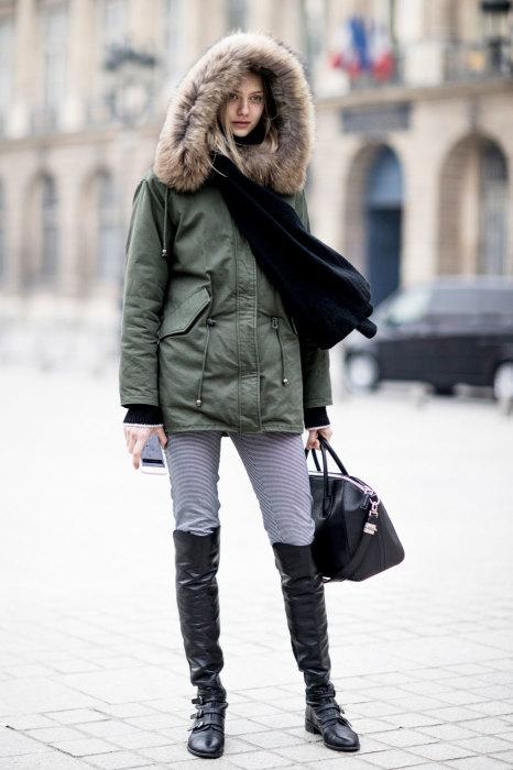 Тепло одеваться на улицу зимой — главное правило здорового человека. /Фото: cosmo.com.ua