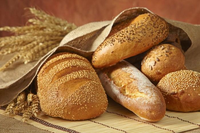 Хлеб тоже можно замораживать. /Фото: byzypriestcom.files.wordpress.com