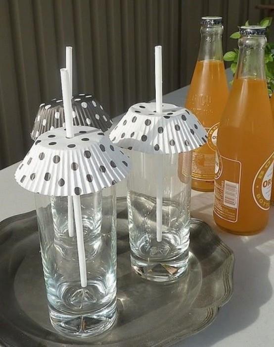 Стаканчик со сладким напитком больше не будет приманкой для насекомых. /Фото: lifehack-de.liketourist.com