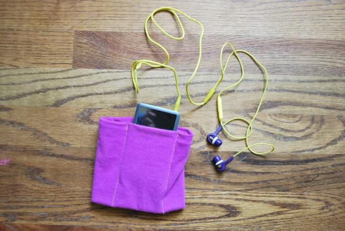С таким чехлом смартфон или проигрыватель музыки всегда будут надежно закреплены. /Фото: i1.wp.com