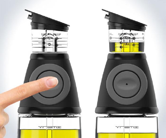 С таким устройством никогда не будет риска налить больше масла, чем необходимо. /Фото: lh3.googleusercontent.com