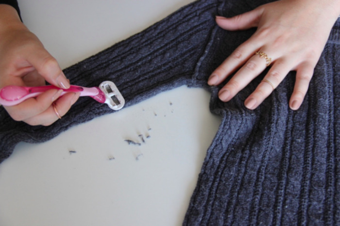 Старую шерстяную вещь можно просто побрить. /Фото: images.osinka.net