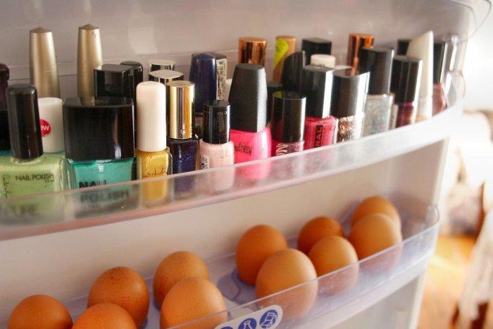 Лак для ногтей не потеряет свои свойства. /Фото: womensownpk.com