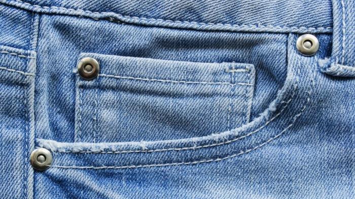 Заклепки придумали, чтобы швы не распарывались. /Фото: dynaimage.cdn.cnn.com