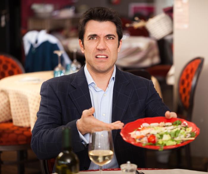 Хамство никогда не говорит в вашу пользу, особенно перед малознакомыми людьми. /Фото: img.anews.com