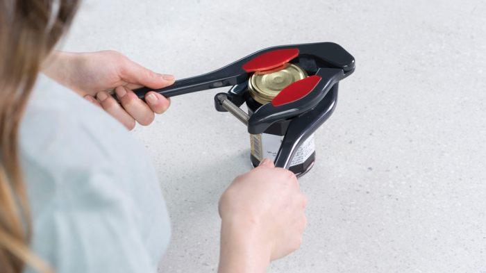 Новый легкий способ открывать банки. /Фото: ksr-ugc.imgix.net