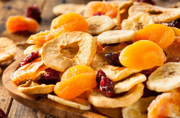 Цукаты можно приготовить из различных фруктов. /Фото: smak.ua