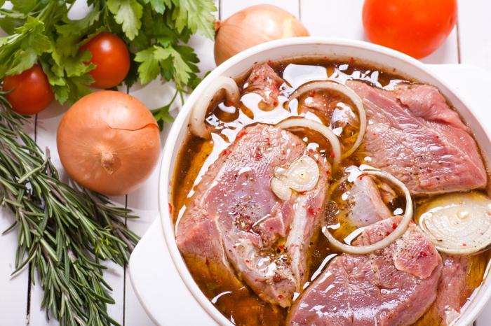 Маринад не оставит шанса мясу стать безвкусным или жестким. /Фото: edinstvennaya.ua